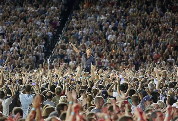 bruce-springsteen-announces-2013-oz-tour_h